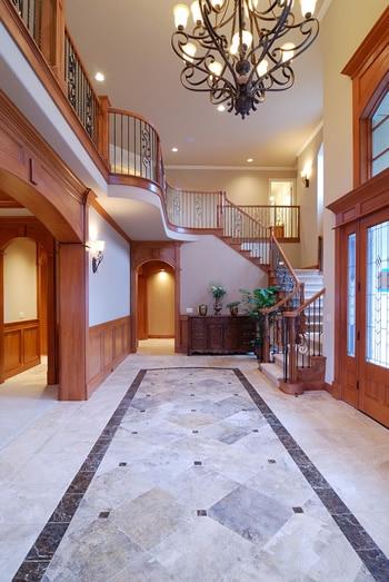 Grand-Doorway