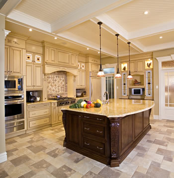 Gourmet-Kitchen-with-Island