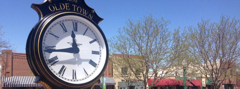 slide-new-arvada-olde-towne-clock